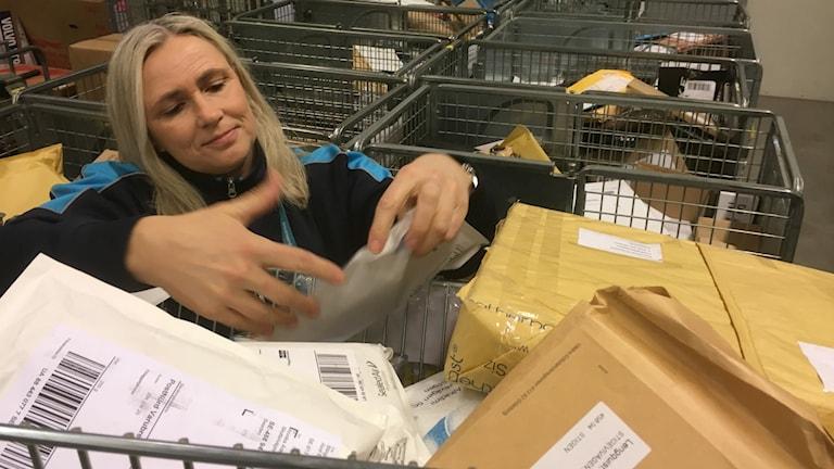 Anette Månsson, produktionsområdeschef på Postnord i Bohuslän, har jobbat på posten i nästan 30 år.