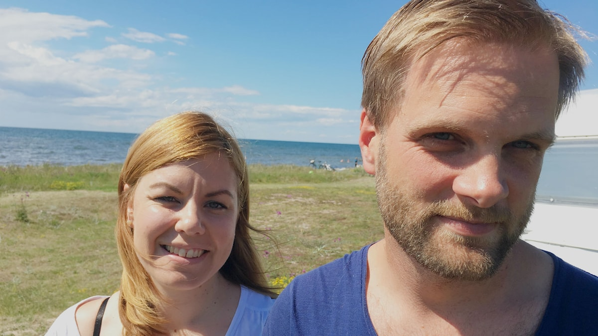 Johan Hogenfälts goda vilja förvandlades snabbt till ett misstag som skulle få oanade konsekvenser. Här tillsammans med sambon Erika Ahlgren.