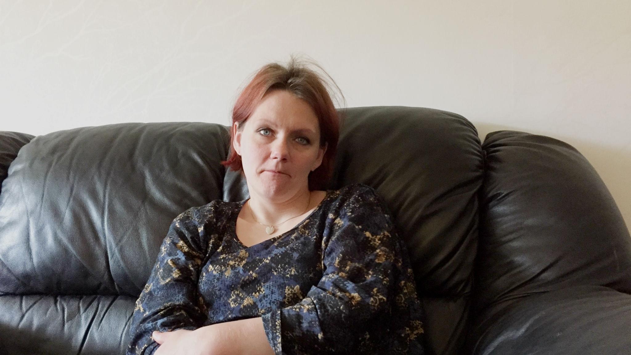Camilla Jonsson känner inte när hon bränner sig eller gör sig illa på andra sätt.