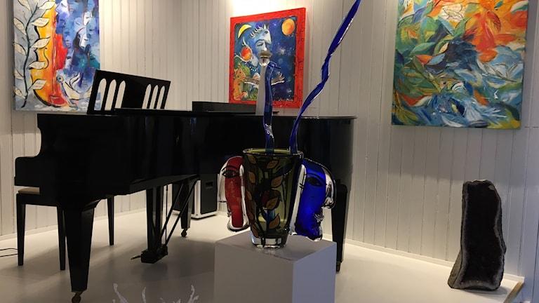Konst och musik i Dagmar Glemmes nya satsning i Vilshärad. Foto: Casper Sewerin/Sveriges Radio