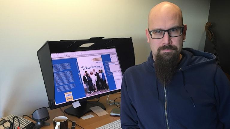 """""""Är det något jag har insett, är det att det görs otroligt många bra insatser"""", säger Pierre Eriksson som har skrivit en bok om integration. Foto: Therése Alhult/Sveriges Radio."""