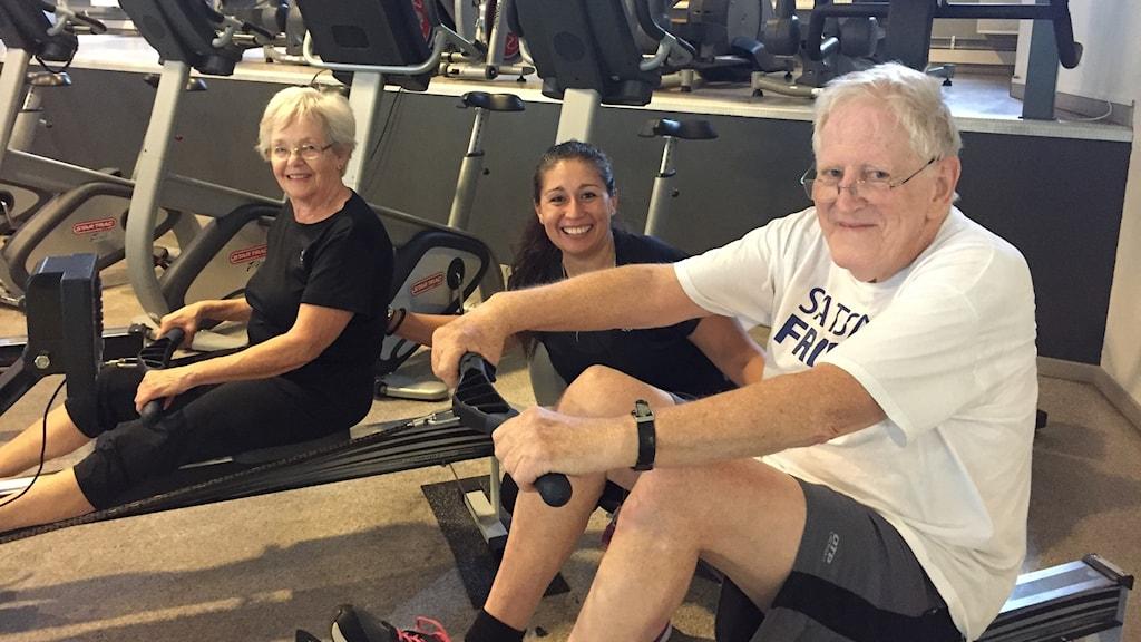 Äldre som tränar.