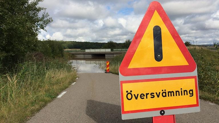 Översvämmad viadukt mellan Flygstaden och Gullbrandstorp.