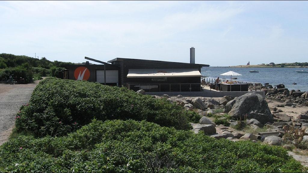 Restaurang Salt med sitt strandnära läge delar både myndigheter och folk i allmänhet. Foto: SR Halland