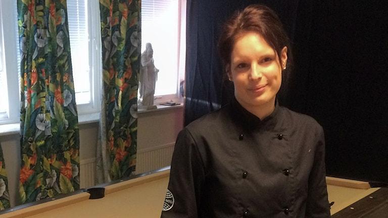 Evelina Carlsson känner att skolungdomar i Halmstad inte har någonstans att ta vägen idag förutom in till stan.