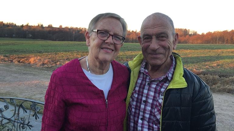 Karin och Frank Tilmaz i Halmstad firade nyligen guldbröllop. Foto: Therése Alhult/Sveriges Radio.