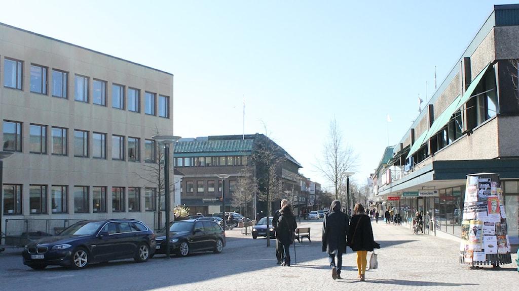 Gågata Falkenberg handla shoppa strosa stan Nygatan. Foto: Sara Hector/Sveriges Radio