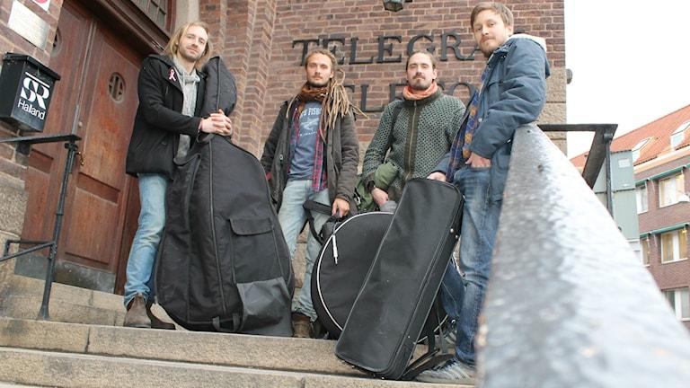 2/3-delar av Driftwood Company: Timothy Ohldin, Jonathan Kabell, Kristoffer Kabell, Carl Hanson. Foto: Henrik Martinell / Sveriges Radio