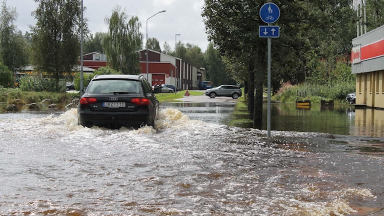 Oskarström drabbat av översvämning. Foto: Henrik Martinell/Sveriges Radio