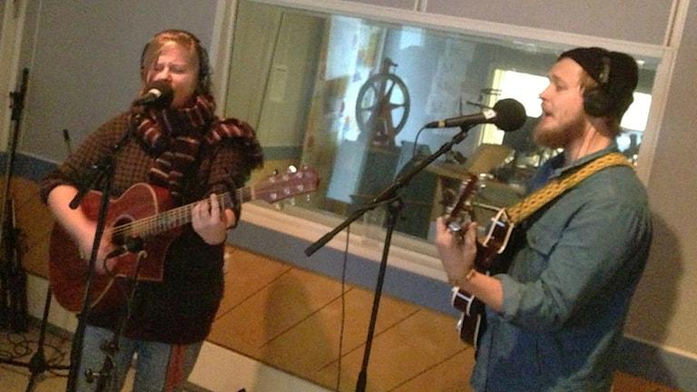 Saga Isebring och Adrian Rosenlind. Foto: Per Qvarnström/Sveriges Radio