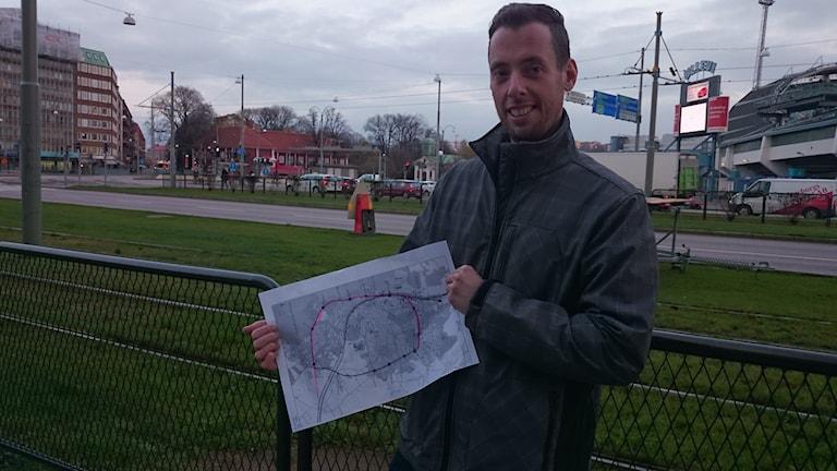 Stefan Nordström visar Varbergsspårväg vid Göteborgsspårväg