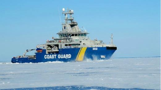 I vinter kommer Kustbevakningens fartyg KBV 002 Triton att vara extraresurs för isbrytning. Foto: Sjöfartsverket