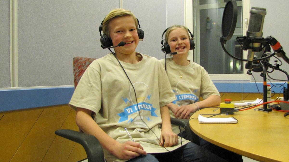 Karl Bruhn och Victoria Dyring från Särö montessoriskola kammade hem andra kvartsfinalen av Vi i femman. Foto: Sveriges Radio