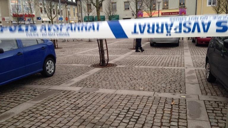 Tidningen Norra Halland spärrades av efter att ett misstänkt farligt föremål hittats på trappan. Foto: Sveriges Radio
