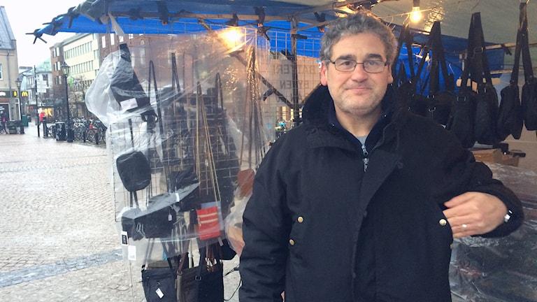 Pavlos Mousiadis i Halmstad hoppas att Alexis Tsipras kan hålla en del av sina vallöften. Foto: Mattias Bolin/Sveriges Radio