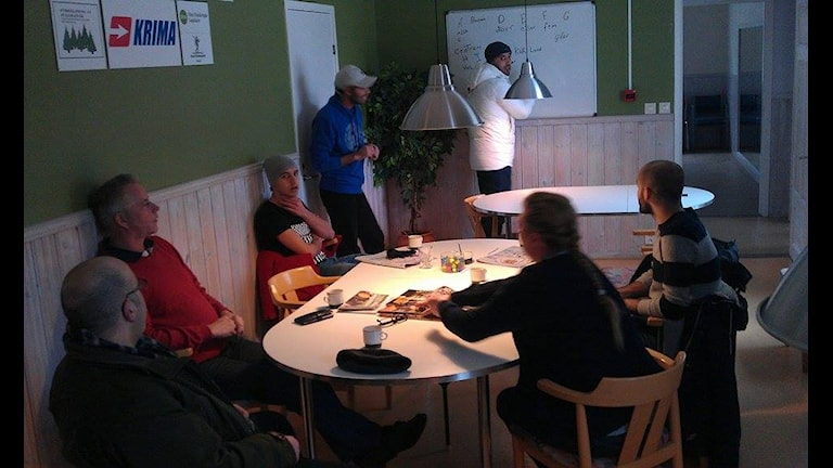 Språkcaffé i Knäred. Foto: M Ferhatovic SR Halland.