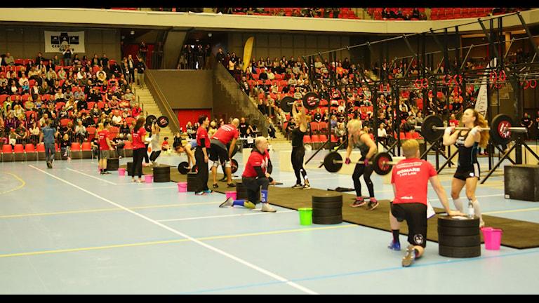 Crossfit i Halmstad Arena. Foto:Lotta Zsoldos/Sveriges Radio
