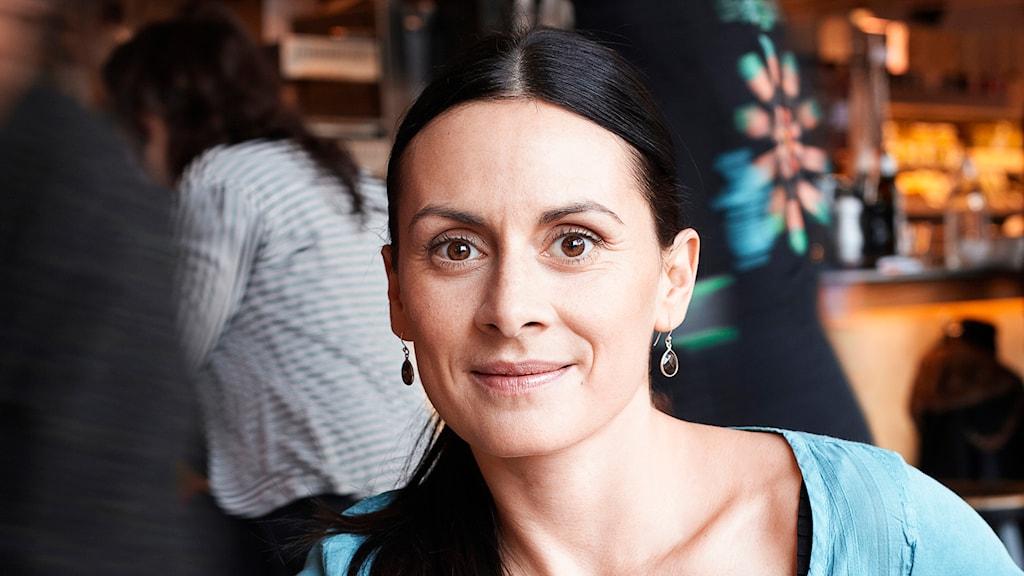 Sara Emilionie yogaterapeut och mindfulnessinstruktör. Foto: Anton Svedberg