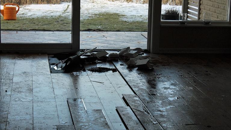 En omfattande vattenläcka drabbade boende i Mellbystrand. Foto: Henrik Martinell/Sveriges Radio