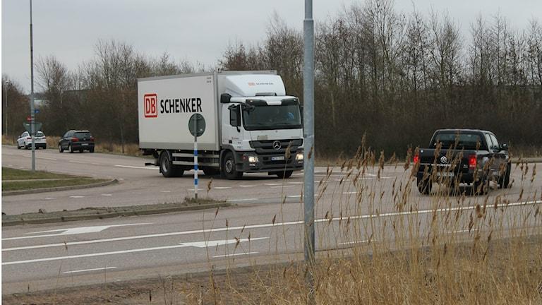 T-korsningen vid Stjärnarpsvägen - Riksväg 15 (tidigare väg 117) utanför Halmstad. Foto: Henrik Martinell / Sveriges Radio
