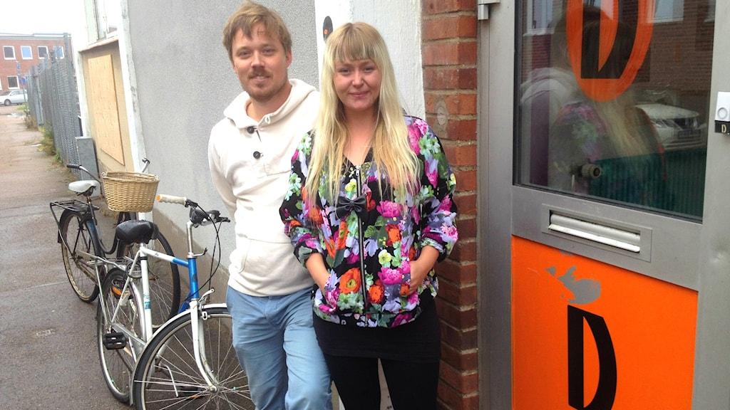 Johan Ahlström och Charlotte Ek Virak från dramalogen. Foto: Muhamed Ferhatovic