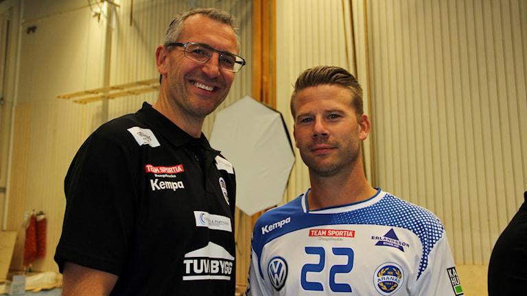 Jerry Hallbäck och Tommy Atterhäll  i HK Aranäs. Foto: Per Söderhjelm/Sveriges Radio