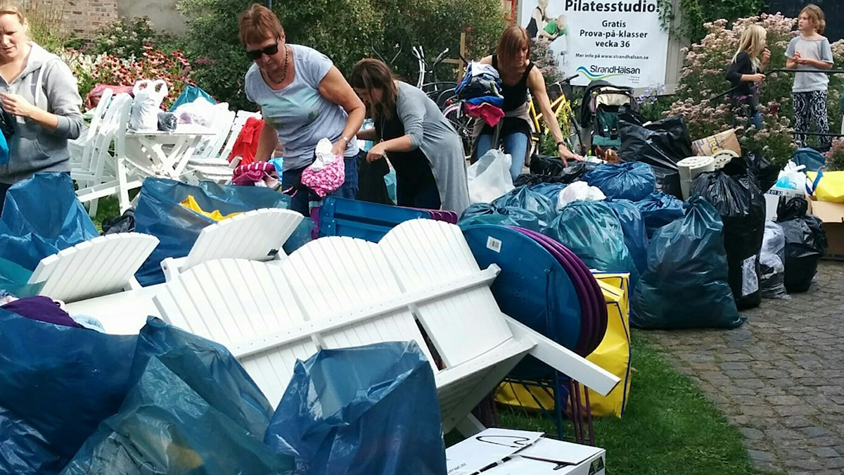 Många ting samlades in i Badhusparken i Falkenberg i lördags. Foto: Andreea Stiuca
