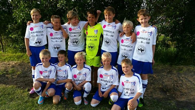 Kungsbacka IF:s elvaåriga pojkar ska hedra sin bortgångne kompis Tristan med en fotbollsturnering. Foto: Privat