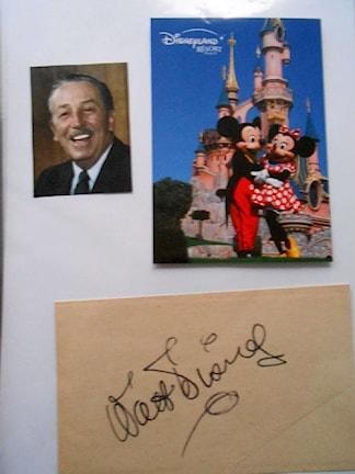 Walt Disneys äkta autograf. Foto: Christoffer Nolensjö