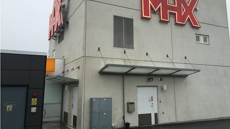 Personalingången på Max i Falkenberg. Foto: Henrik Martinell