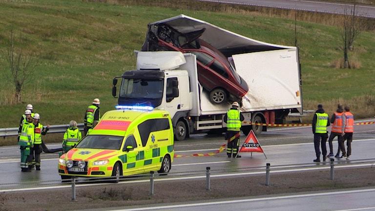 Osannolik olycka på E6. Foto: Helene Bengtsson.
