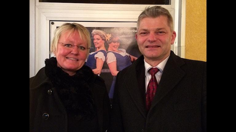 Ulla och Thore Holmefalk på premiären av Falkenbergsrevyn.