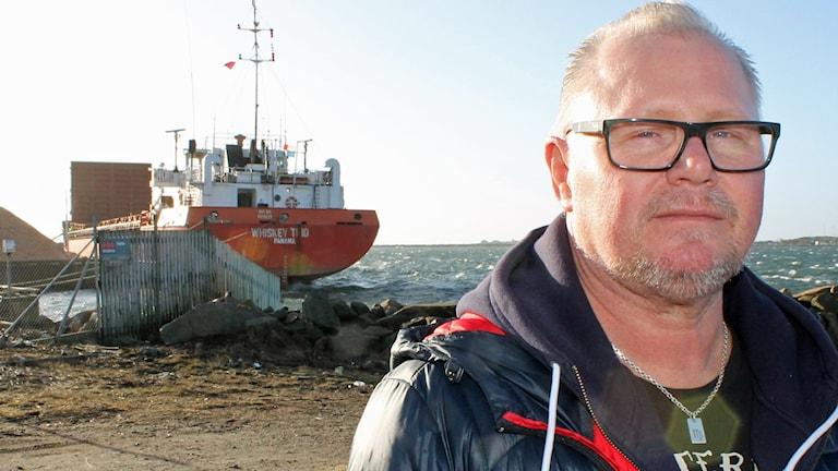 Göran Larsson på Transportarbetareförbundet är orolig för att personalen ska bli fråntagna sina nya lakan och löner. Foto: Henrik Martinell/Sveriges Radio.