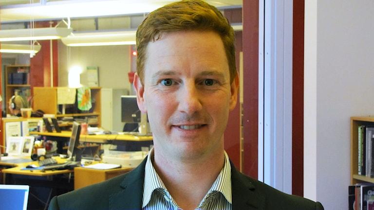 Marcus Larsson har doktorerat om bland annat lastbilstrafik på Högskolan i Halmstad. Foto: Sveriges Radio