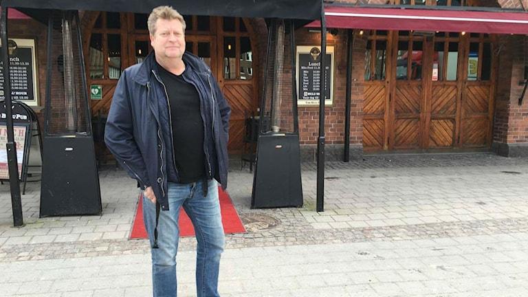 Roger Krook, krögare till testrestaurangen. Foto: Sara Öster/Sveriges Radio.