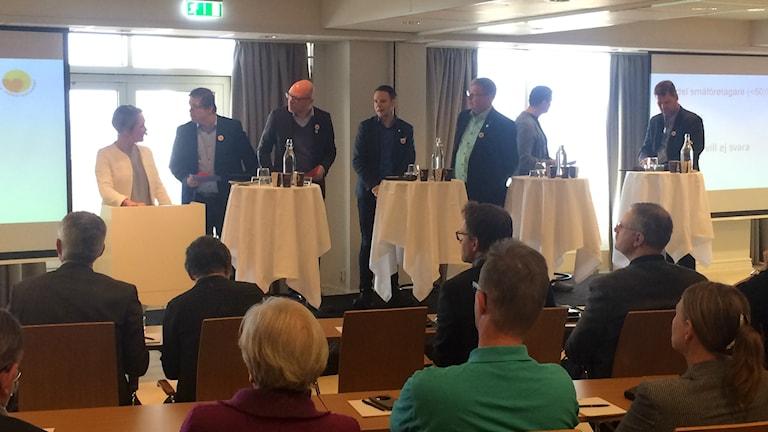 Flera riksdags- och regionpolitiker var på plats på Företagarnas utfrågning på Strandbaden hotell.