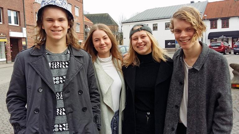 Oskar Albertsson, Tilda Årstrand, Lina Anderberg och Anton Liljedahl i bandet Avenine från Halmstad.