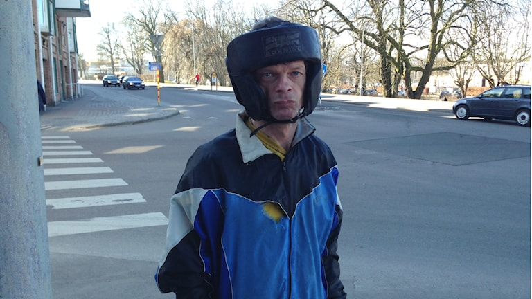 Peter Ingemarsson älskar att löpträna och har fått bättre balans genom träningen. Foto: Therése Alhult/Sveriges Radio.