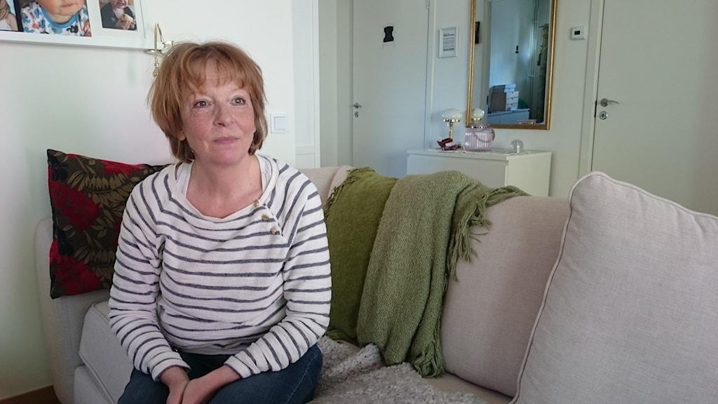 Patricia Landmér satt snällt kvar och väntade i telefon.