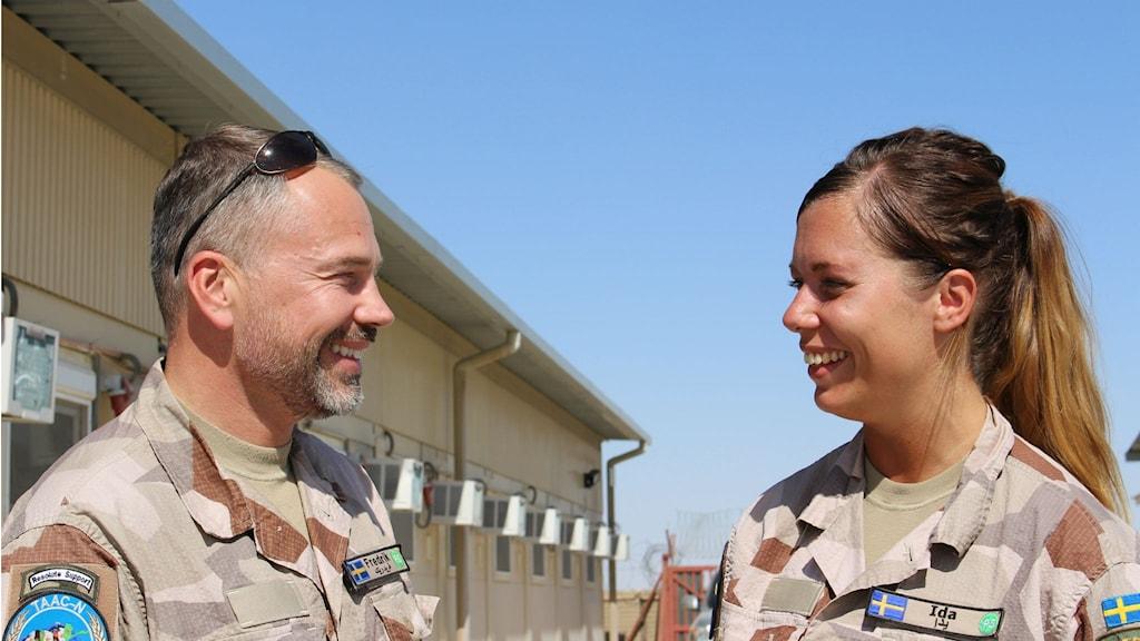 Ida-Maria Martinsson på plats i Mazar-e Sharif med kollegan Fredrik. Foto: Anna Nyberg/Sveriges Radio