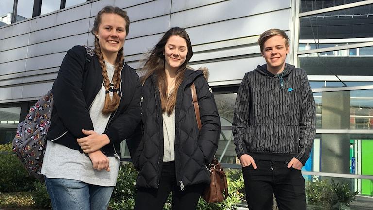 Maja Fahlberg, Kajsa Nordberg och Sten Candell skriver alla högskoleprov på Högskolan i Halmstad. Foto: Sara Öberg/Sveriges Radio.