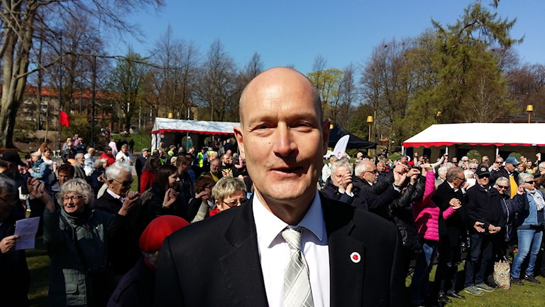 Över 500 personer lyssnade på Hans Hoff i Ha´lmstad under första maj.