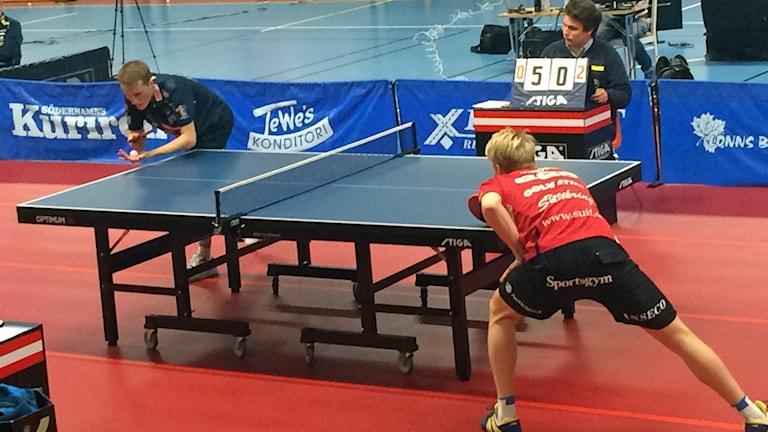 Bordtennis Harald Andersson HBTK mot Hampus Norberg Söderhamn semifinal. Foto: Mikael Sanner/Sveriges Radio.