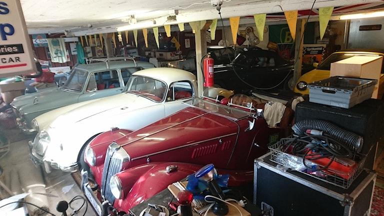 Den röda är en MG TF från 1954.