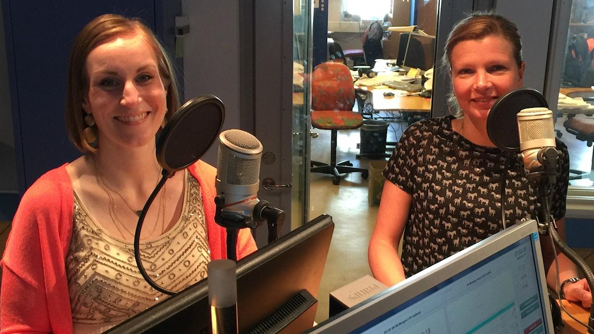 Rebecka Wallin och Petronella Magnusson är två av fem medlemmar i gruppen Voizone.
