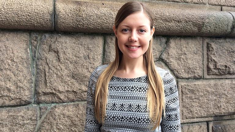 Porträttbild på Julia Malmborg.