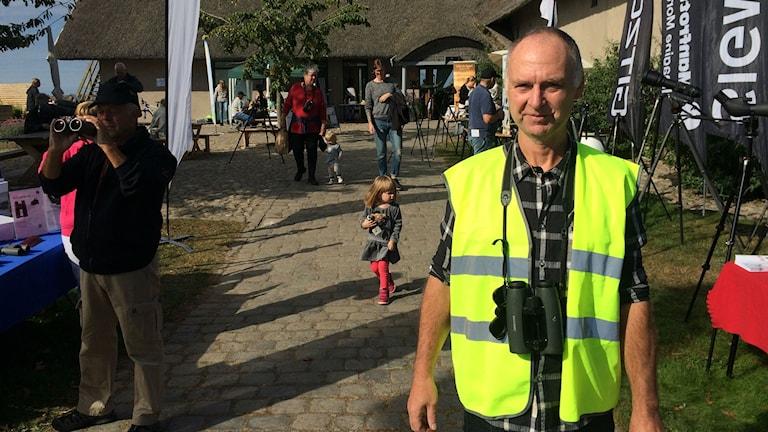 Kjell Andersson från Studiefrämjandet håller i trådarna på Folk och fåglar.