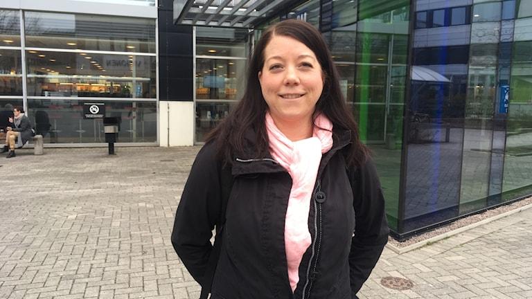Linda Thörner, student vid Halmstads Högsskola, tipsar om vad man ska tänka på som nybliven student.