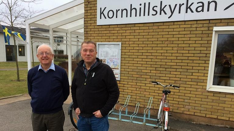 Kornhillskyrkan. Från vänster Tom Bell, administratör i kyrkan och Per-Eive Berndtsson präst.