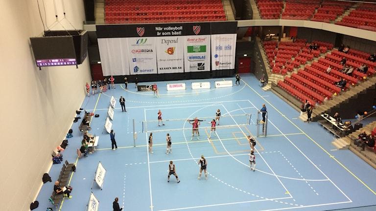 Hylte/Halmstad möter Örebro i damernas elitserie i volleyboll.